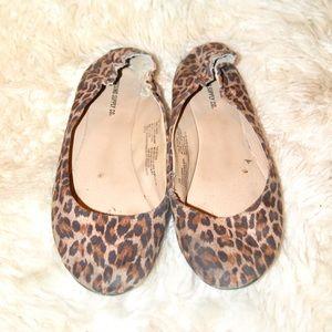 ❤️••leopard flats••